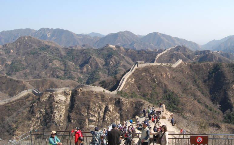 城楼上から眺望風景 城楼上から眺望風景 (ここにマウスポインタを置... 北京世界遺産「万里の長